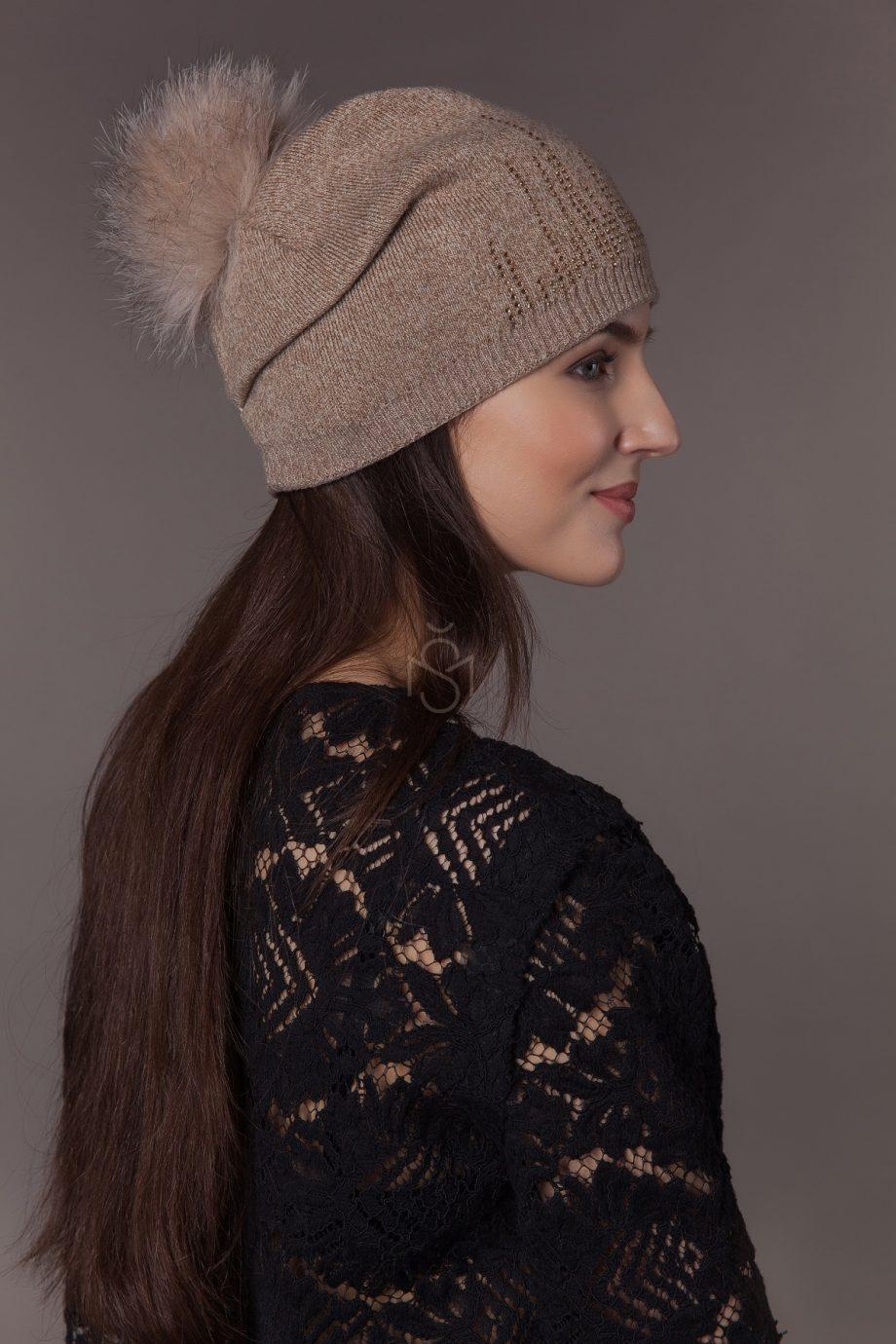 Pusvilnes kepure su lapes bumbulu