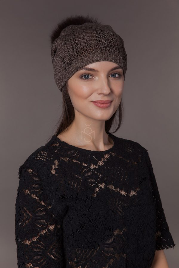 Pusvilnes kepure su sinsilos kailio bumbulu (3)