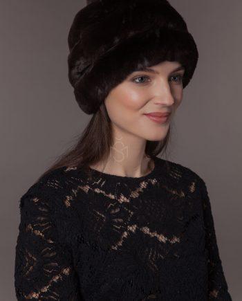шапка из меха рекса с помпоном