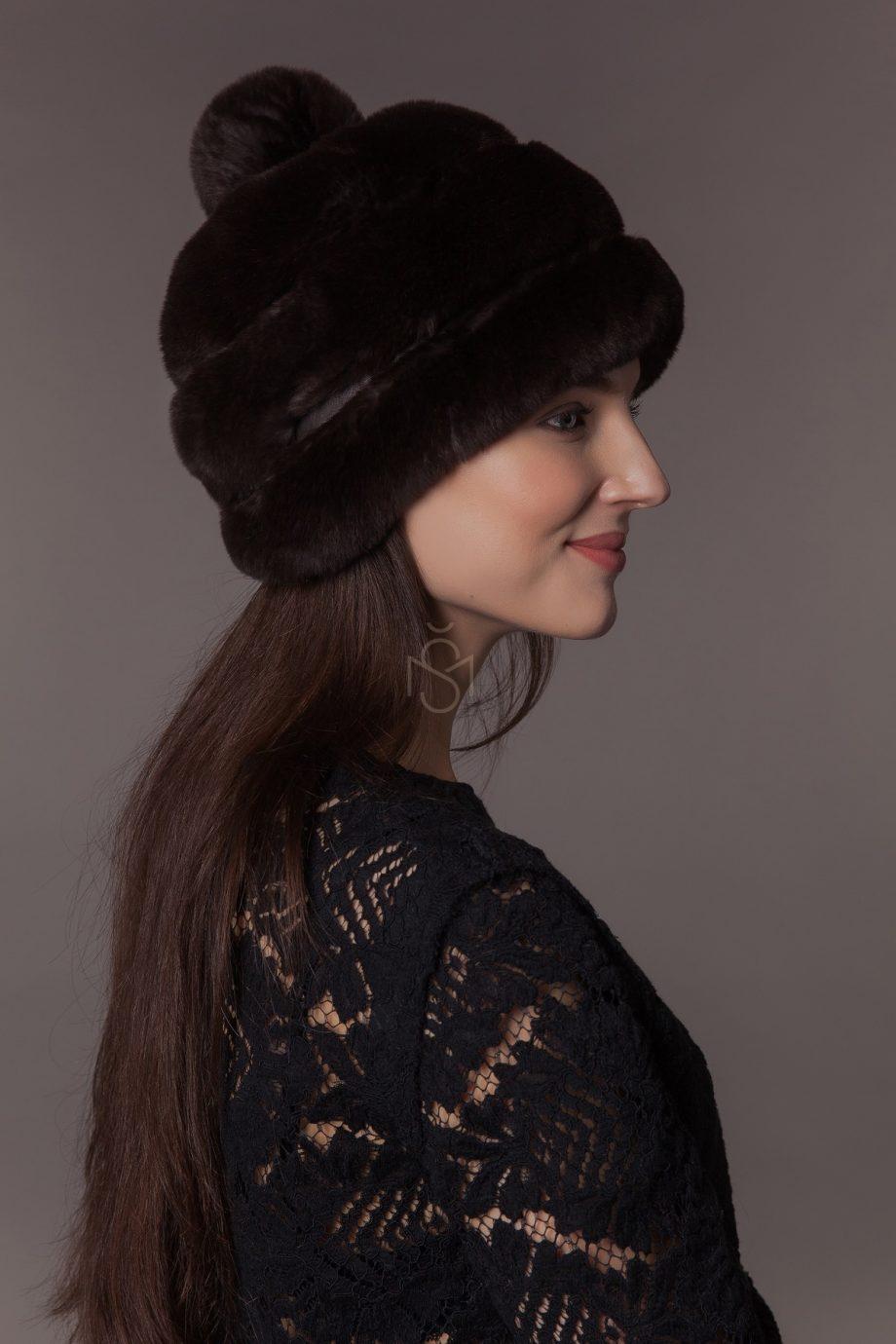 Rex rabbit fur hat with pom-pom