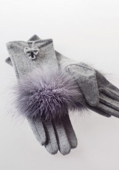 Woolen gloves with silver fox fur decoration made by SILTA MADA fur studio in Vilnius