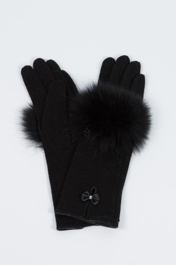 Woolen gloves with black fox fur decoration made by SILTA MADA fur studio in Vilnius