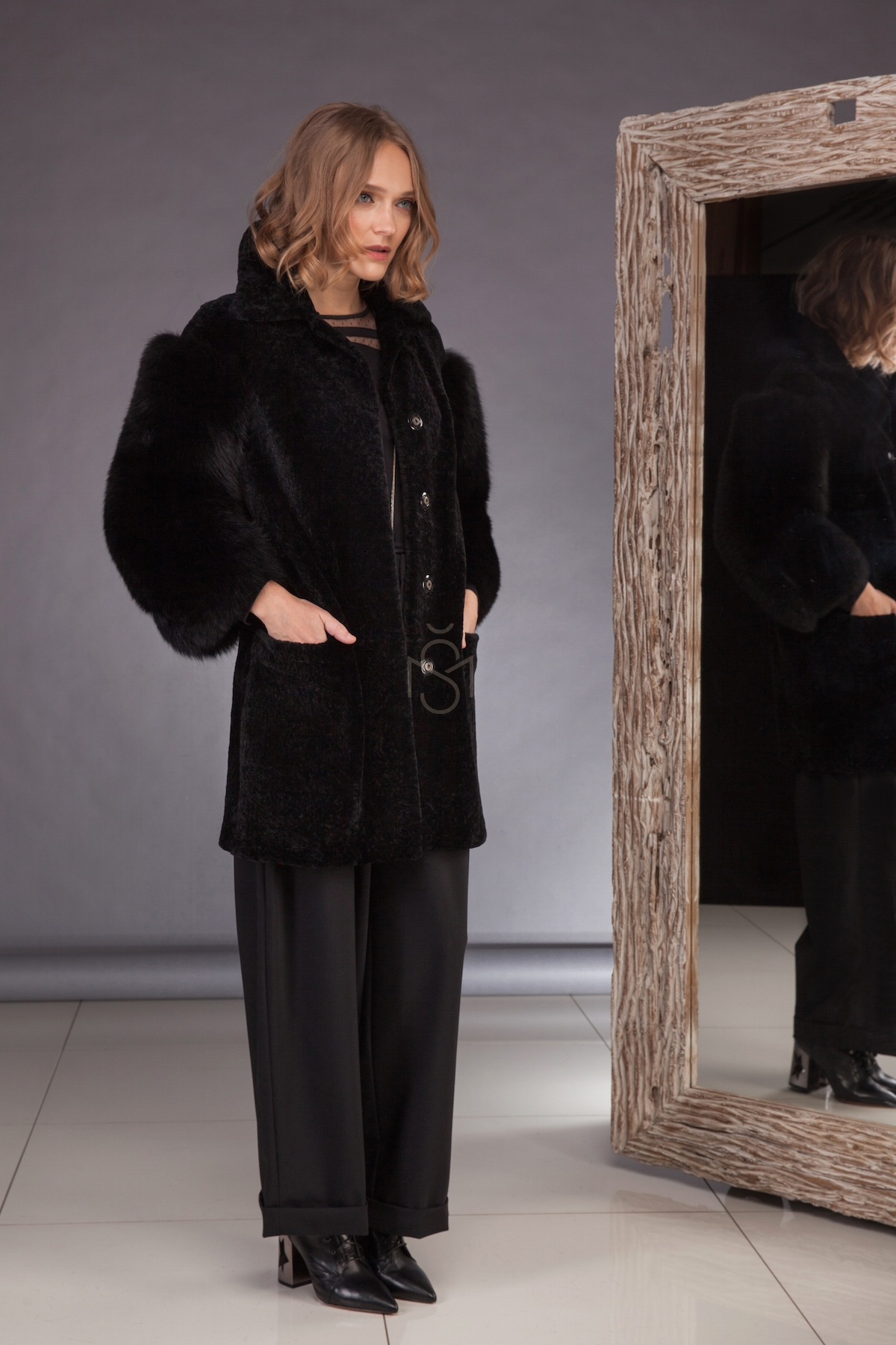 Sheepskin coat with fox fur sleeves_black_made by SILTA MADA fur studio in Vilnius
