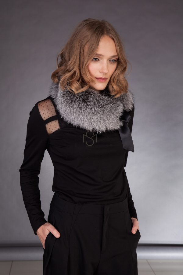 Silver fox fur scarf made by SILTA MADA fur studio in Vilnius. This garment can be custom made. Other colors available.