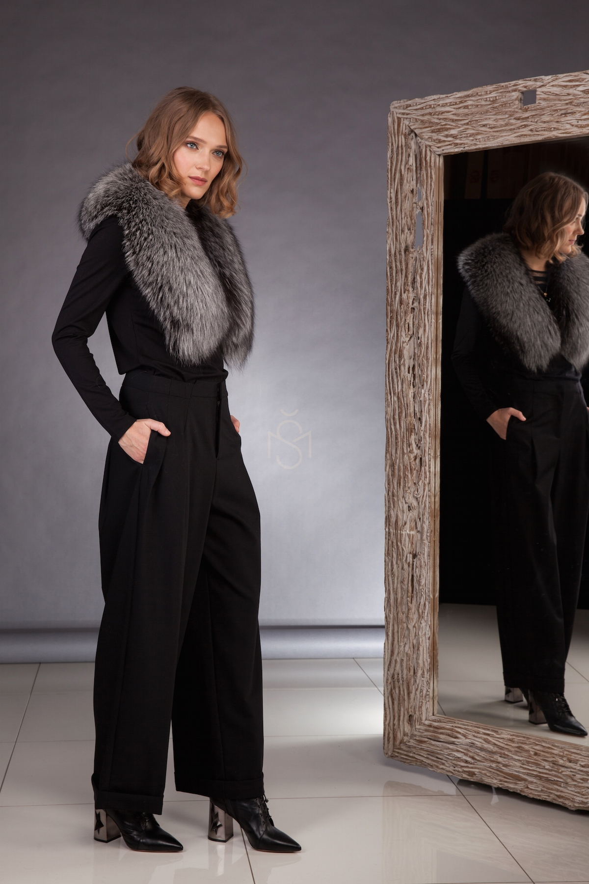 Silver fox fur collar, natural color made by SILTA MADA fur studio in Vilnius