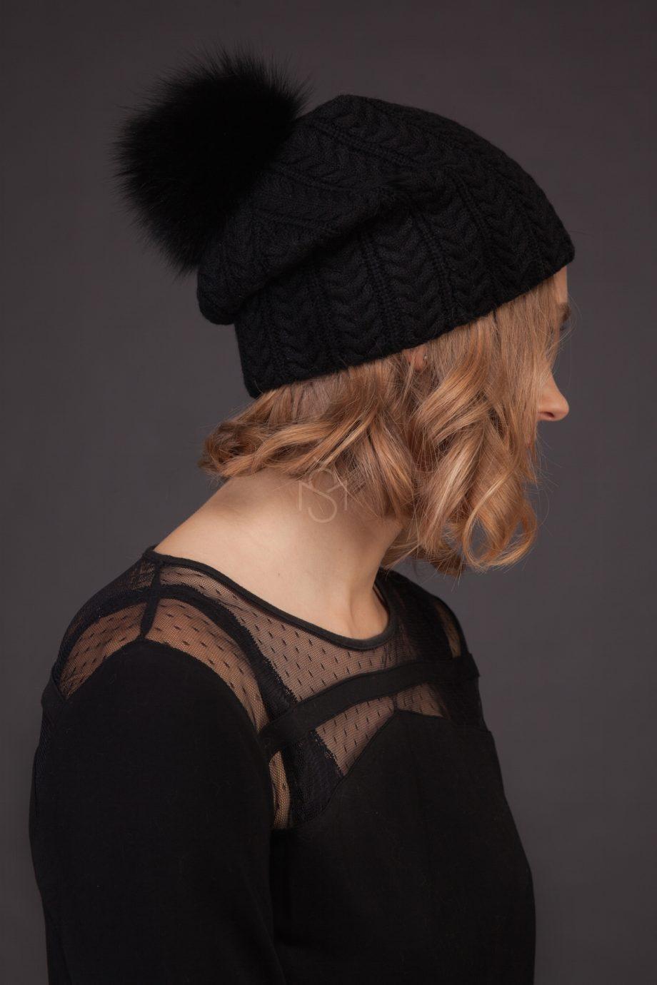 Cashmere hat with fox fur pom_pom_black_made by SILTA MADA fur studio in Vilnius