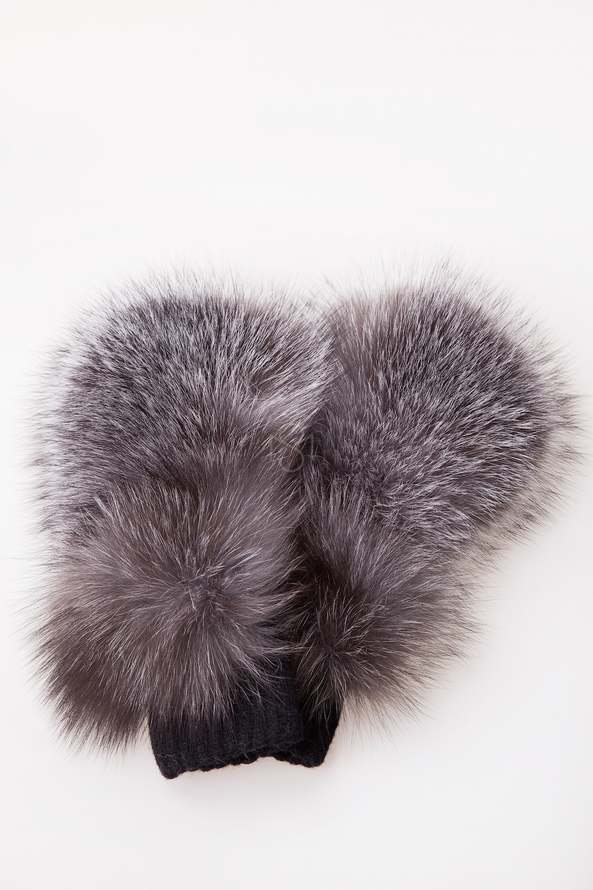 Mittens with silver fox fur made by Silta mada fur studio in Vilnius