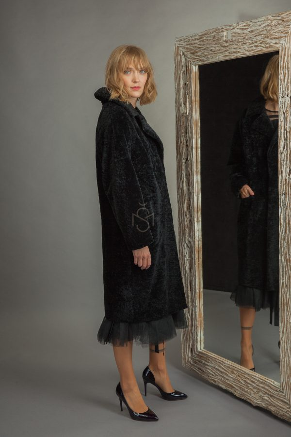 Avikailio-paltas-juodas