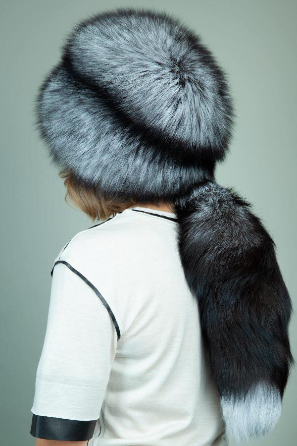 apvali juodsidabres kailio kepure su prisegama uodega moterims