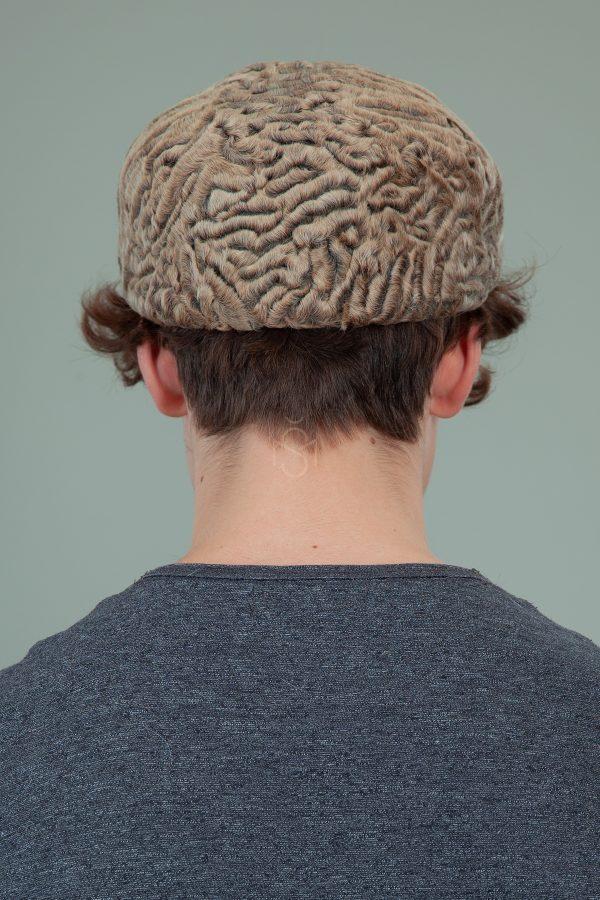 biezinio karakulio kepure su snapeliu