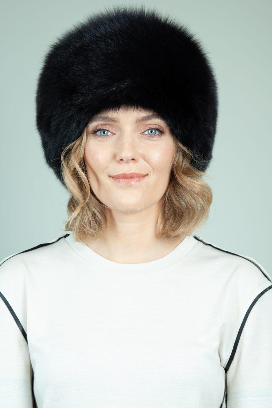 juodos lapes kailio kepure su prisegama uodega moterims