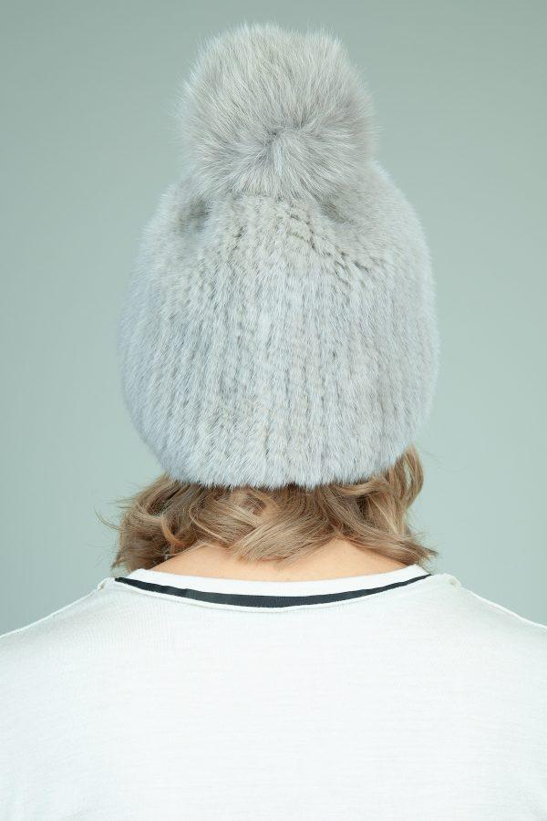 megzta pilkos audines kepure su pom-pom