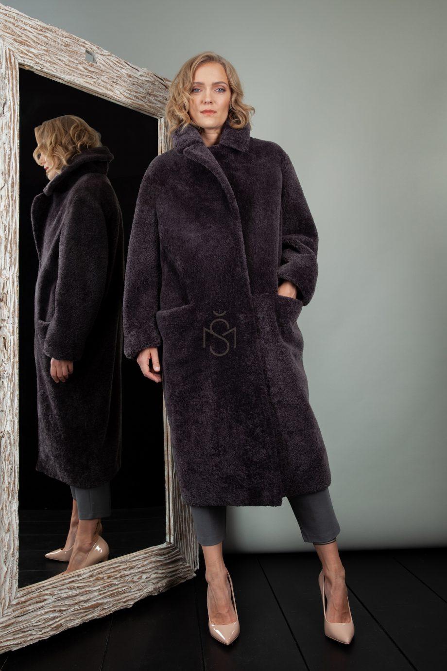 oversized avikailio paltas